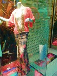 manekin na wystawie sklepowej